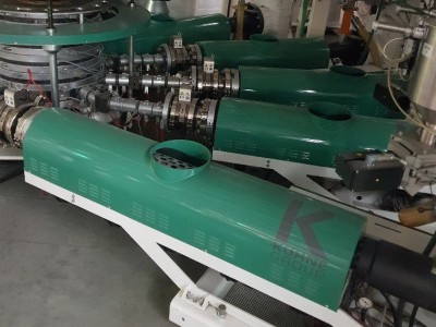 Kuhne 5 layer extrusion line E21004 1