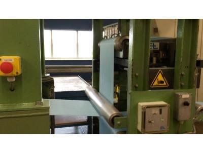 Hobema folding/cutting machine for napkins O19009 1